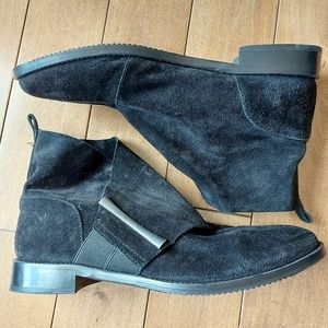 Johnston and Murphy Lola black suede booties